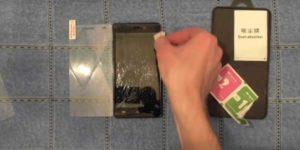 Как приклеить уголок защитного стекла если он отклеился