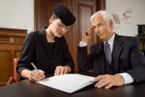 Могут ли родственники быть адвокатом